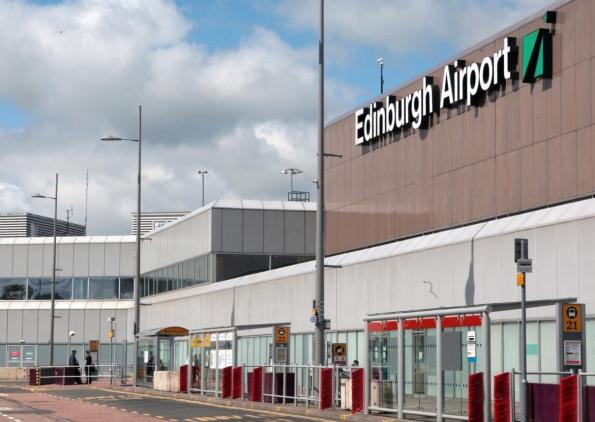 Edinburgh Airport Transport Flughafen Ins Zentrum Bus Tram Taxi