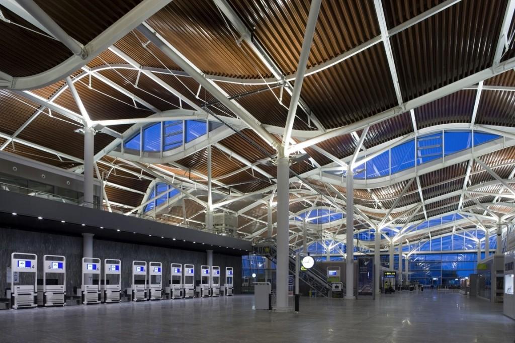 Saragossa Airport (Aragón) - Transport Flughafen Zentrum ...